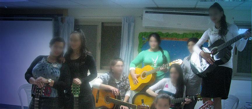 פעילות-נערות ארגון א.י.ל